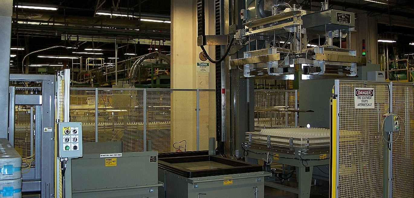 Custom Metal Designs have an extensive array of Palletizers that can meet your needs